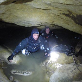 Cave diving safety applied to OHS